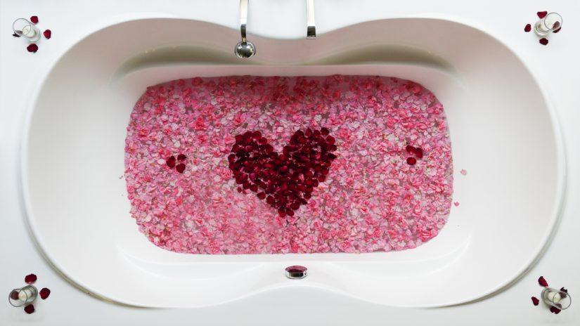 valentine's day lush bath bomb