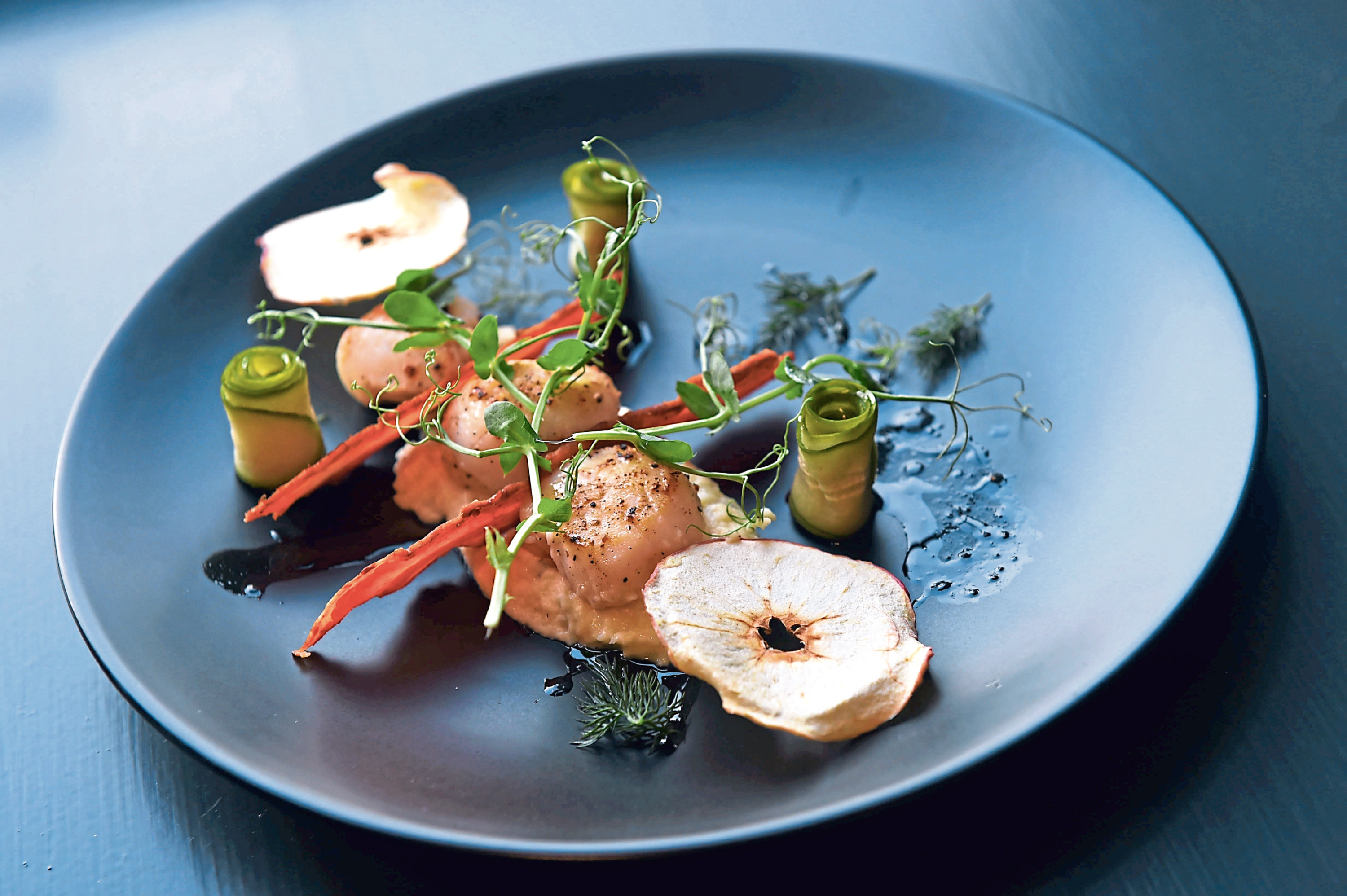 How to make Lost In Food's pan fried scallops with celeriac