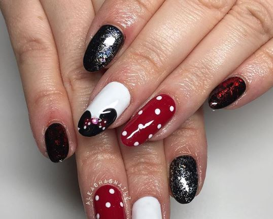 Nail Art Inspo For If You Re Heading Along To Disney On Ice